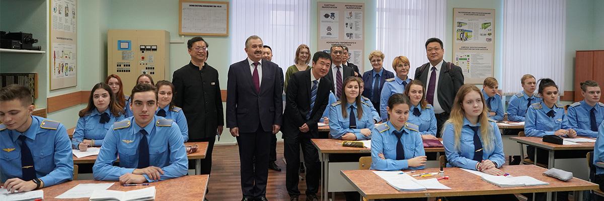 窦新顺院长随河北省教育代表团访问俄罗斯圣彼得堡铁路运输学院